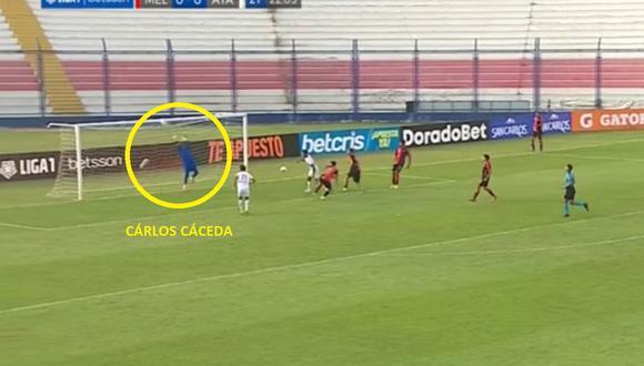 Carlos Cáceda salvó el arco de Melgar con gran atajada a Ayacucho FC.
