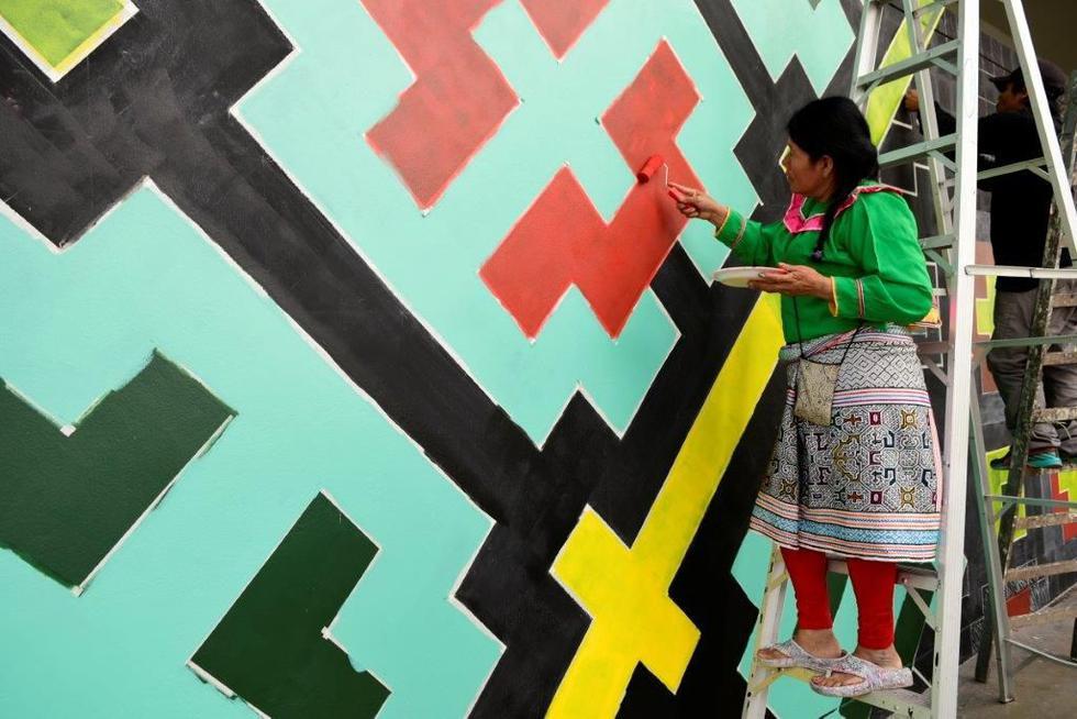Artistas shipibos de Cantagallo pintaron mural en San Isidro (Fotos: Difusión)