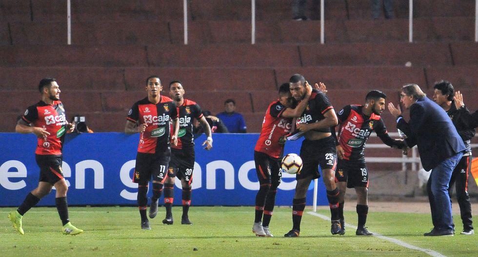 Melgar abre el marcador  ante Junior con gol de Giancarlo Carmona