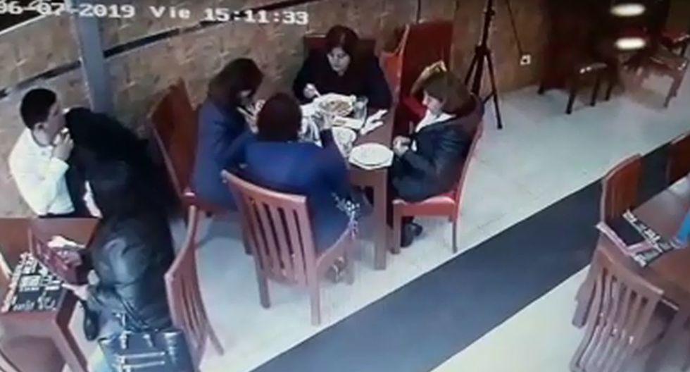 'Los Elegantes' son captados mientras robaban cartera a turista en conocida cevichería