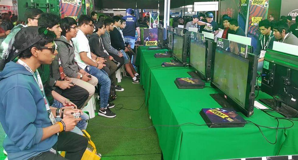 Juega PES VI, el torneo de fútbol virtual mas importante del Perú, presente en el MasGamers Tech Fest XII