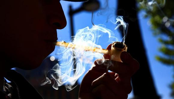 La legislación también brinda protección para que las personas no sean discriminadas por el uso de marihuana en viviendas públicas, escuelas y universidades y en el lugar de trabajo. (Foto: EFE)