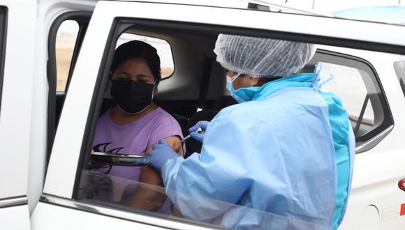 Si eres un ciudadano extranjero residente en Perú, conoce cuáles son los requisitos para vacunarte contra el COVID-19. (Foto: Britanie Arroyo/@photo.gec)