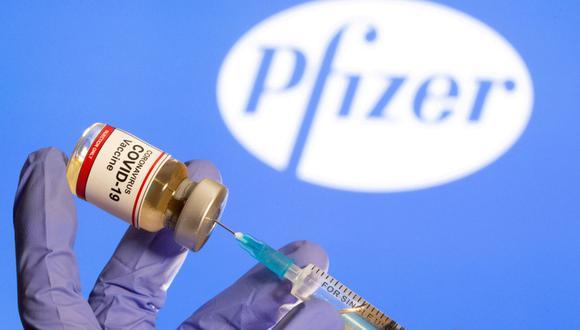 El presidente Francisco Sagasti anunció que hoy llegará al Perú el primer envío de 50 mil vacunas de Pfizer. (REUTERS/Dado Ruvic).
