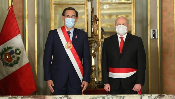 El presidente Martín Vizcarra y el titular del Consejo de Ministros Pedro Cateriano.(Foto: Difusión).