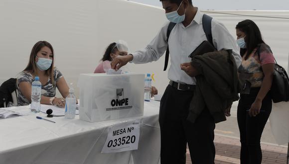 Perú Libre encabeza la votación al Parlamento Andino al obtener el 16.986% de votos, tras el escrutinio del 96.375% de actas. (Foto: Archivo /GEC)