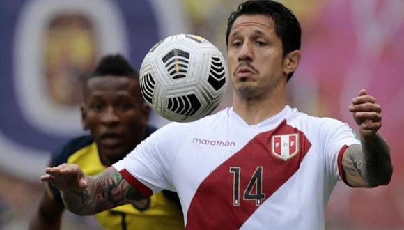 La imagen de Gianluca Lapadula cuando salió cambiado en la victoria de la selección peruana. (Foto: AFP)