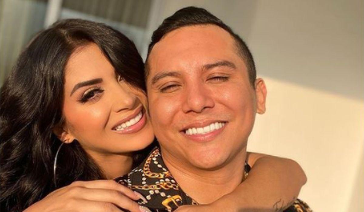 """La pareja volvió a mostrarse nuevamente junta, luego que la modelo negara haberle sido infiel a su esposo en """"La casa de los famosos"""" (Foto: Kimberly Flores / Instagram)"""