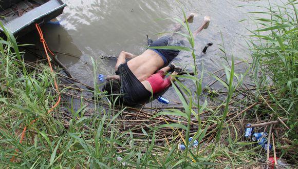 Padre e hija fueron hallados a orillas del río Bravo. (EFE).