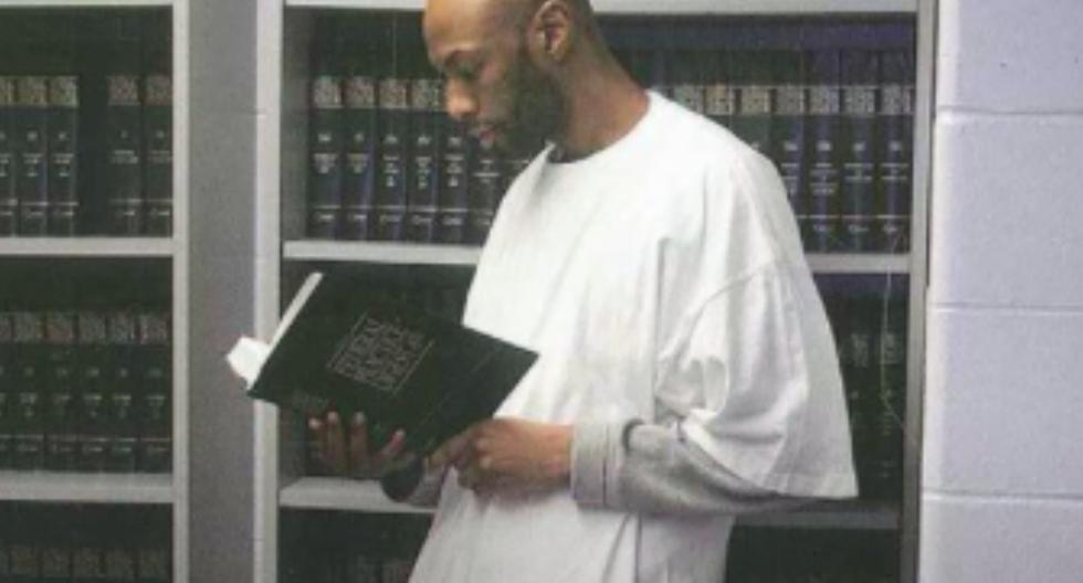 Esta foto de 2015 muestra a Dustin Higgs en la prisión federal en Terre Haute, Indiana (Estados Unidos). (Foto: AP).
