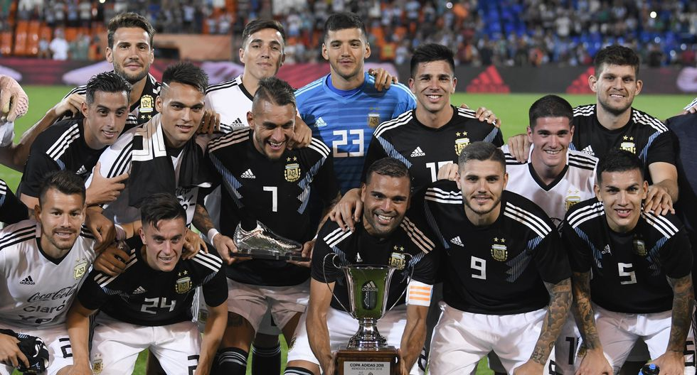Argentina venció 2-0 a México con goles de Icardi y Dybala.