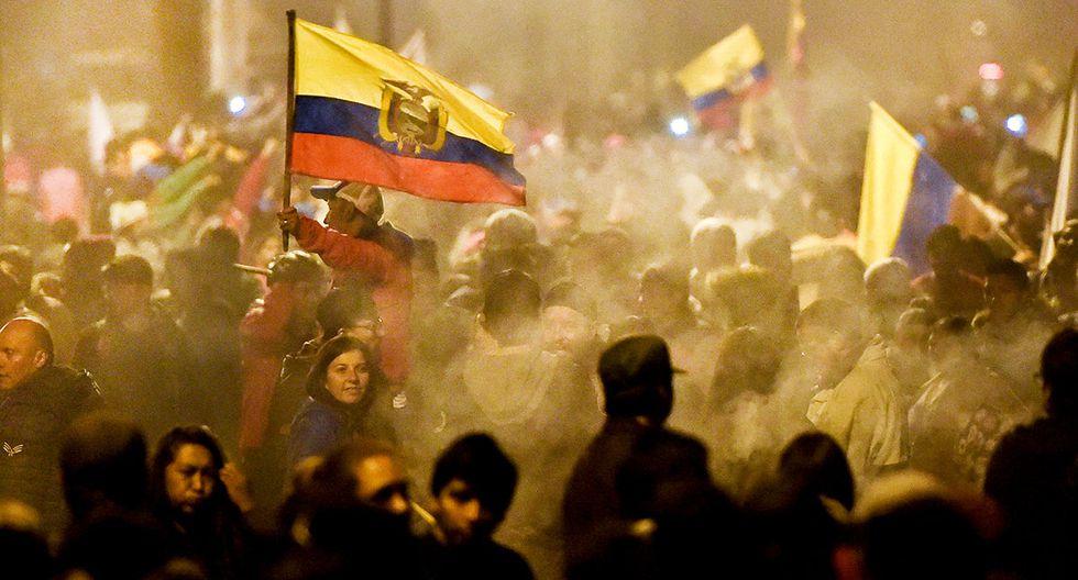 Manifestantes celebran el acuerdo logrado entre el Gobierno e indígenas. (Foto: AFP)