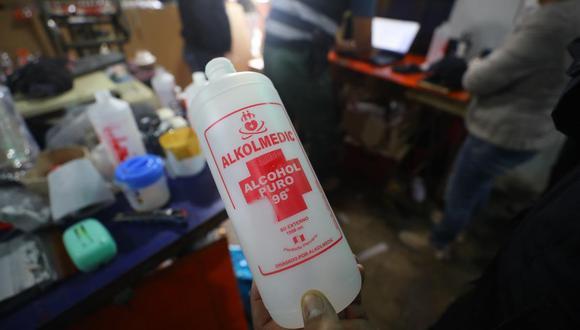 El alcohol de 96° no está sujeto a registro sanitaria o notificación sanitaria otorgada por la Digemid. (Foto: Referencial/Gonzalo Córdova)