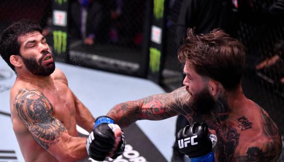 Tremento nocaut de Cody Garbrandt. (UFC)