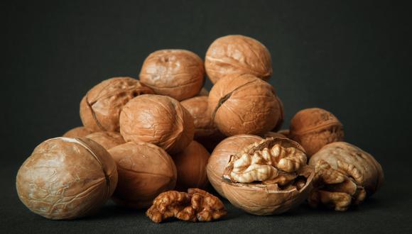 Las nueces reducen un 30% el riesgo de sufrir enfermedades cardiovasculares. (Foto: Pexels)