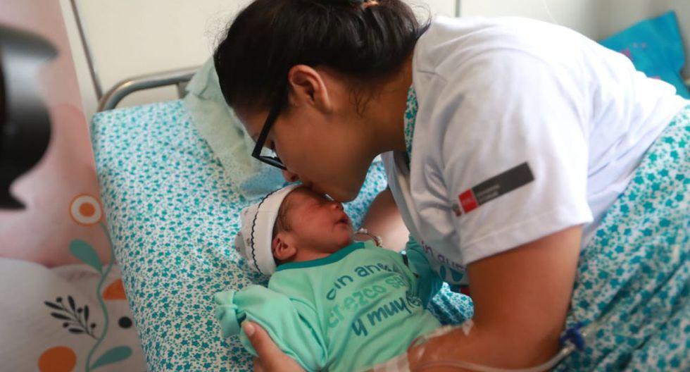 Madres se mostraron contentas. (Foto: Lino Chipana/GEC)