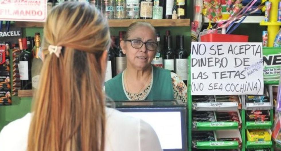 """""""No se acepta dinero de las tetas (no sea cochina)"""", el llamativo cartel en una tienda de abarrotes. (Fotos: Diario Uno/Mendoza Post)"""