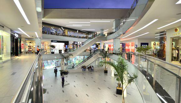 """""""En las próximas semanas podríamos iniciar una atención de los centros comerciales con un aforo muy reducido"""", afirma Produce. (Foto: GEC)"""
