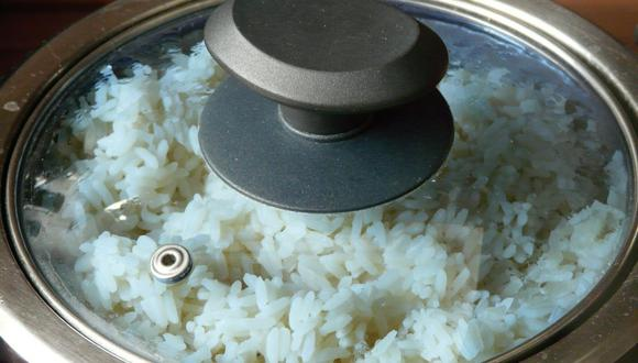 El arroz blanco es un gran acompañamiento de diversos platos como guisos o frituras. (Foto: Hans Braxmeier / Pixabay)