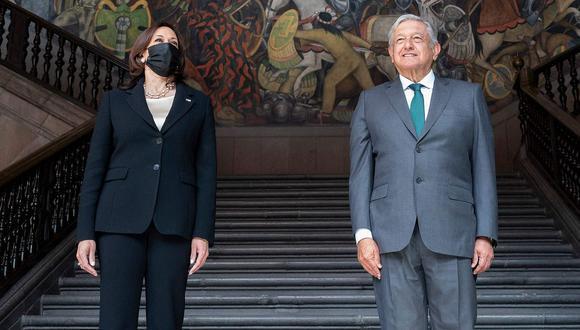 El presidente Andres Manuel Lopez Obrador y la vicepresidenta de Estados Unidos, Kamala Harris. (Foto: AFP)