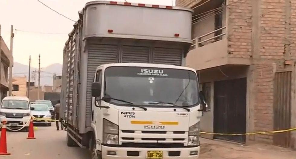 El conductor del camión huyó del lugar. (Foto: Captura/América Noticias)