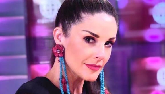 """Rebeca Escribens regresó a la conducción de """"América Espectáculos"""". (Foto: @dona_rebe)."""