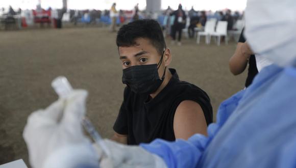 Vacunación contra el COVID-19 a jóvenes mayores de 18 años se realizará en el Perú, anunció el Minsa. (Foto: Jorge Cerdan/@photo.gec)