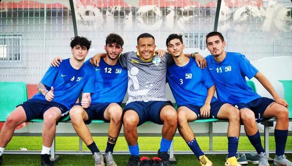 Roberto Merino ahora trabaja en el club italiano Equipe Campania como parte del cuerpo técnico.
