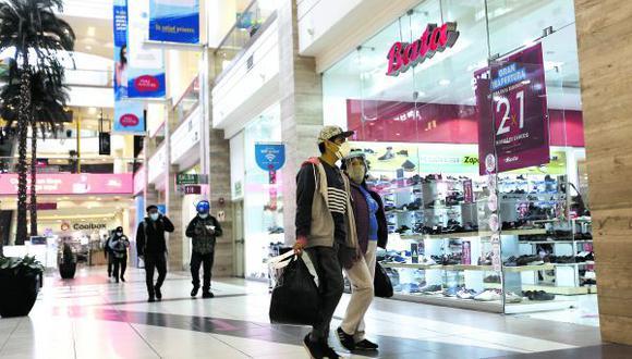 Centros comerciales retoman la atención presencial, pero con aforos reducidos porque el estado de emergencia continúa debido a la pandemia.  (Foto: Jesús Saucedo / GEC)