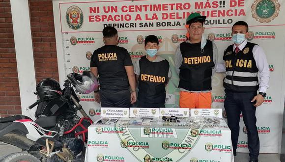 Angelo Martín Ganoza Ramírez (33), 'burro', y Jim Jeferson Rivera Aguilar (19), 'pulga', quienes serían de la banda 'Los Temibles de las Delicias', acusados de cobrar cupos a obras de construcción, fueron intervenidos.