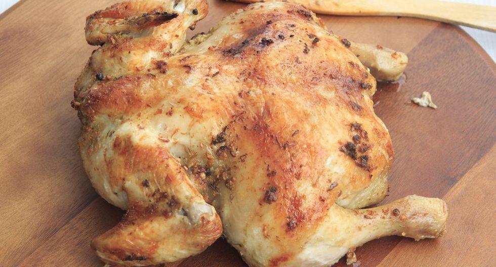 Comer pollo con pellejo o sin pellejo es uno de los grandes debates que existe y al respecto esto dicen los especialistas (Foto: GEC)