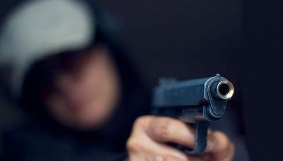 Chapan a cuatro menores que intentaron robarle a policía