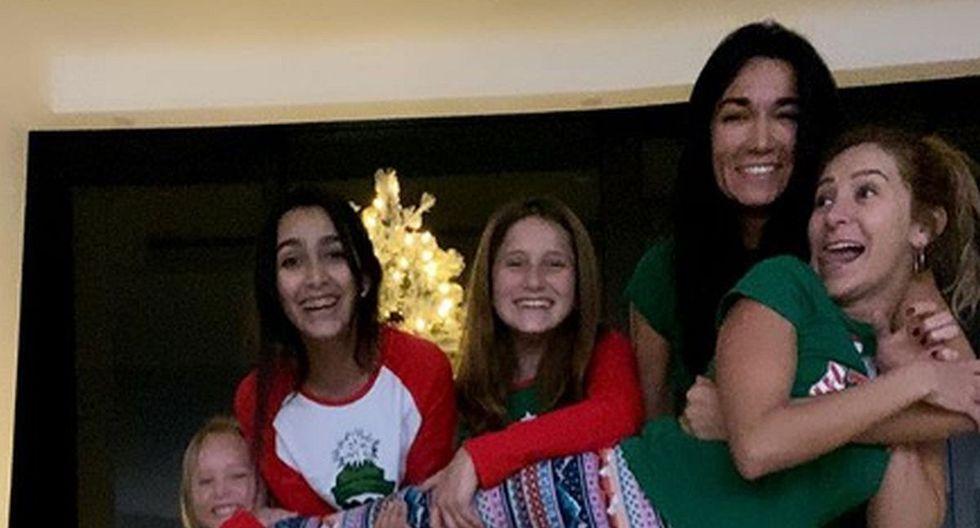 Geraldine Bazán disfrutó de la Navidad junto a sus hijas en una divertida pijamada familiar. (Foto: Instagram)