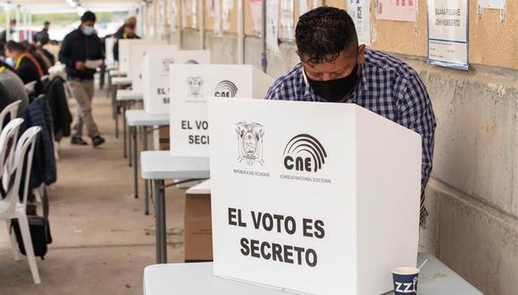 Elecciones Ecuador 2021: Ecuatorianos residentes en Murcia, España, votan en la segunda vuelta. (Foto: EFE/Marcial Guillén).