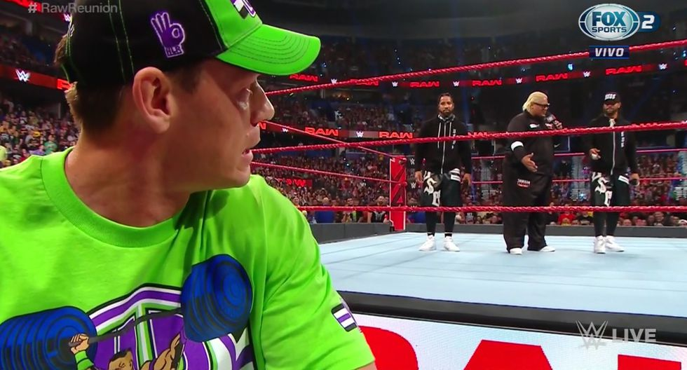 John Cena y Rikishi sorprendieron con su aparición en WWE Monday Night RAW. (Captura TV)