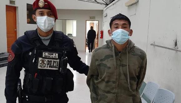 Francisco Eduardo Quispe Colina (28), 'Orejitas', fue intervenido por policías del Escuadrón de Emergencia Cobra, acusado de asaltar con un arma de juguete a comerciantes y transeúntes cerca del emporio comercial de Gamarra, en La Victoria.
