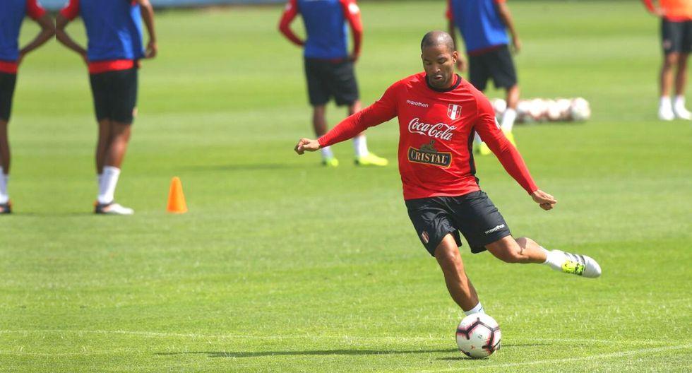 Alberto Rodríguez reapareció en la Videna entrenando junto a Nolberto Solano