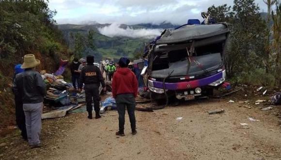 Áncash: Sutran informó que las autoridades sanitarias movilizaron una ambulancia y personal del centro de salud de Chinchobamba para socorrer a los heridos. (Foto: PNP)