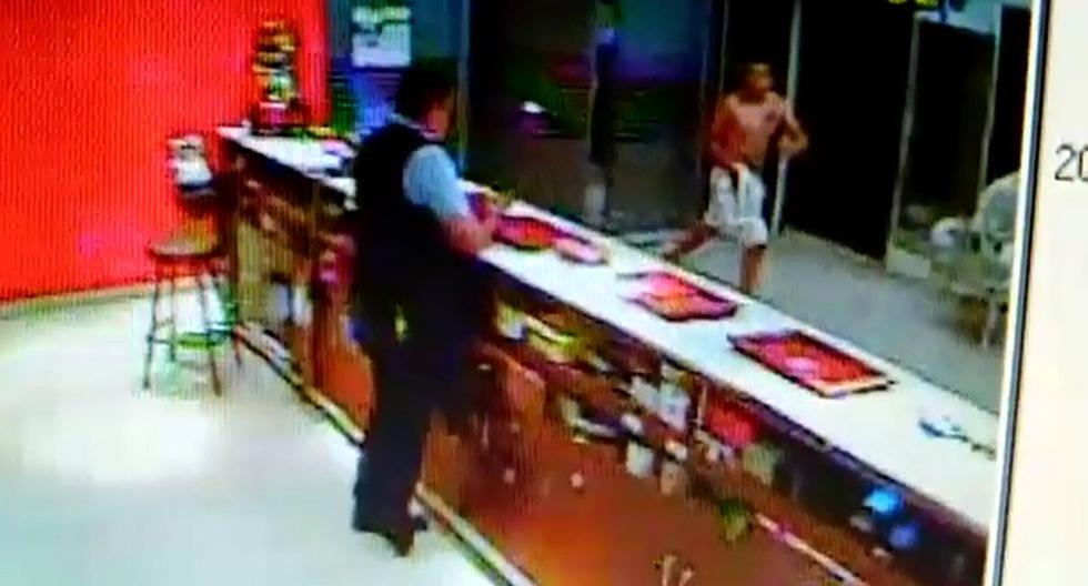 Este sería el sujeto que asesinó a Junior Tarazona en un sauna de San Isidro. (Capturas: Latina/Difusión)