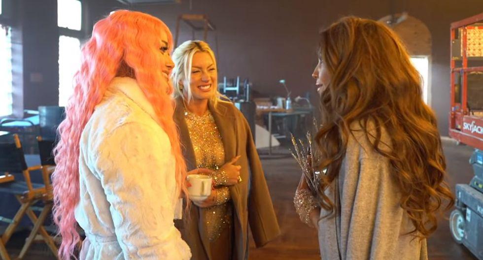 """Leslie Shaw muestra su complicidad con Thalía y Farina en el detrás de cámaras de """"Estoy Soltera""""   VIDEO"""