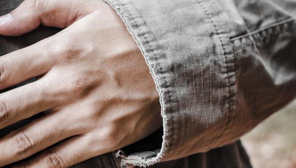 ¿Por qué sobresalen las venas de las manos? Entérate aquí: (Foto de Pelipoer Lara en Pexels)