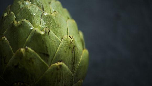 La alcachofa es una planta herbácea del género Cynara en la familia Asteraceae. Es cultivada desde la antigüedad como alimento en climas templados. (Foto: Freepik)