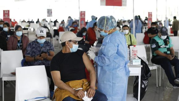 Contraloría expresó su preocupación sobre el proceso de vacunación contra el COVID-19. (GEC)