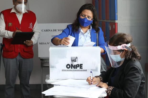 Miembros de mesa, observadores electorales, personeros, personal de ODPE Y ORC, periodistas y la ciudadanía en general, deberán seguir el protocolo (Foto: Andina)