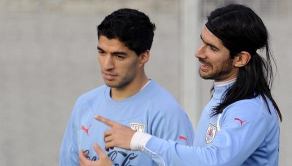 La oferta de Sebastián Abreu a Luis Suárez para dejar el Barcelona. (Foto: AFP)