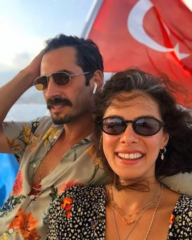 Özge Özpirinçci y Burak Yamantürk  son amantes de la aventura (Foto: Özge Özpirinçci/Instagram)