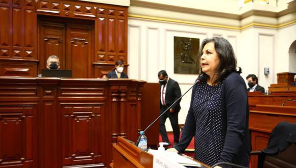 La congresista Rocío Silva Santisteban respondió las crítica en medio de gritos en el pleno. (Foto: Andina)