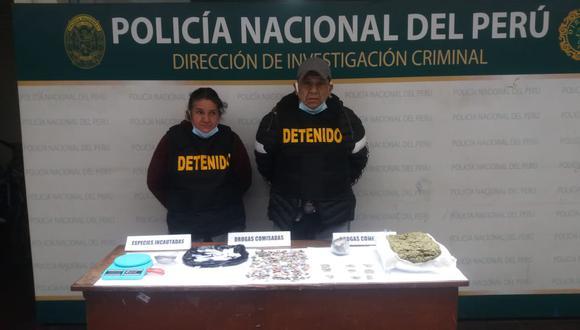 Arturo Castro Espinoza (56), 'El Chiclayano', y Emperatriz Violeta Flores Chira (56), fueron intervenidos con más de un kilo de marihuana que la escondían en galpones de gallos y en el camarote de su inmueble.