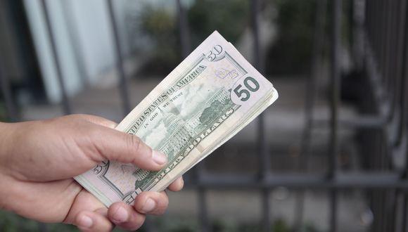 Precio del dólar opera al alza en México. (Foto: GEC)