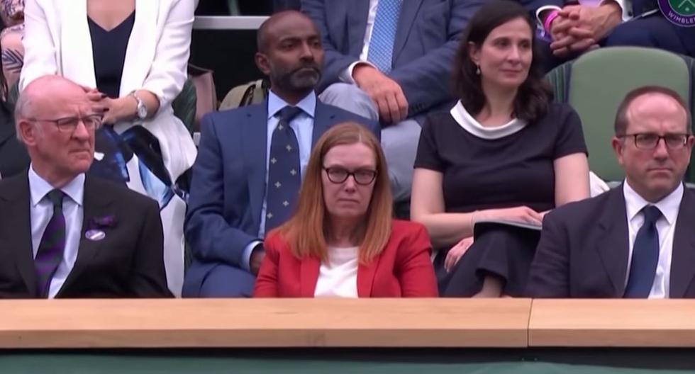 Ovación a Sarah Gilbert en Wimbledon. (Captura de video).